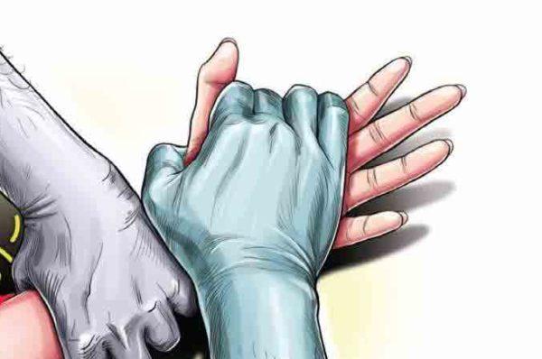 കാസര്കോട് പ്രായ പൂര്ത്തിയാകാത്ത പെണ്കുട്ടിയെ അച്ഛനും സുഹൃത്തുക്കളും ചേര്ന്ന് പീഡിപ്പിച്ചു